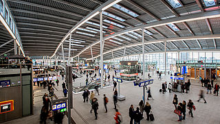 Reizigers Utrecht CS ondervinden geen problemen bij proef met dichte poortjes