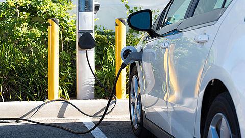 Parkeren elektrische auto binnen paar jaar goedkoper