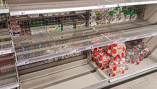 Vlaardingers slaan massaal flessen water in vanwege poepbacterie