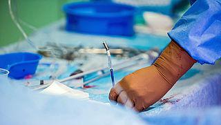 'Ziekenhuizen betalen miljoenen te veel voor pacemaker'