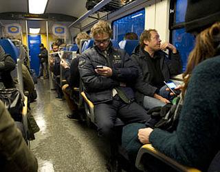 Vanaf 2021: stopcontacten in tweede klas treinstellen