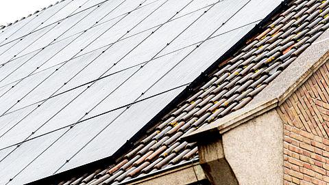 'Risico op stroomstoring door slechte beveiliging van zonnepanelen'