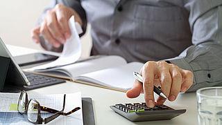 FNV: werknemers maken veel onbetaalde extra uren