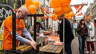 Pas op met voedsel op de Koningsdag-vrijmarkt, als koper én als verkoper