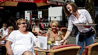 Hogere prijzen voor drankje op terras door 'coronatoeslag'