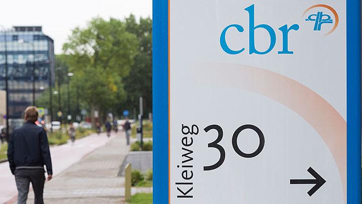 CBR vergeet wekenlang brieven te versturen