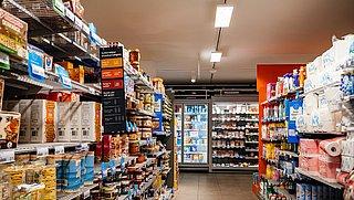 Boodschappen doen bij Albert Heijn: deze producten zijn een stuk goedkoper in België