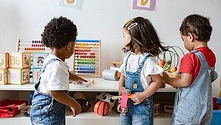 FNV: 'Maak kinderopvang gratis voor iedereen'