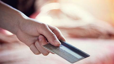 Creditcardbedrijven Visa en Mastercard verlagen tarieven