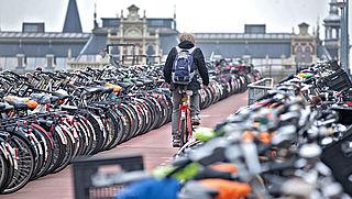 ProRail en NS willen meer fietsplekken bij stations