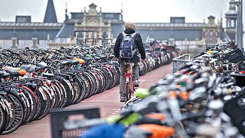 ProRail en NS willen meer fietsplekken bij stations}