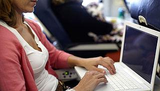 Laptops blijven toegestaan aan boord van vluchten naar VS