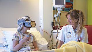 Hypnosebril tegen angst en pijn voor ziekenhuisingreep bij kinderen