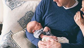 Vijftien weken deels betaald ouderschapsverlof vanaf augustus 2022