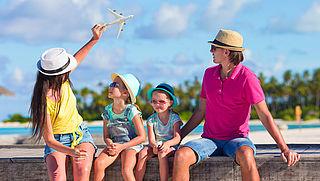 Besparen op je vliegvakantie doe je met deze 10 tips