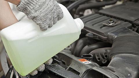 Koelvloeistof bijvullen, wat kan wel en wat niet?
