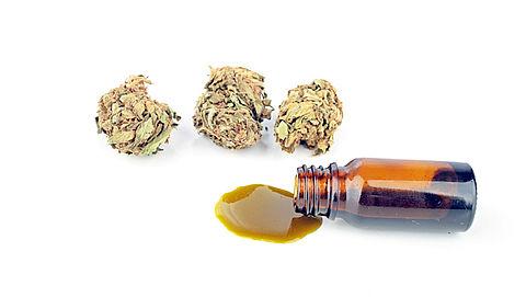 Zaterdag in Radar Radio: Duizenden gedupeerden door verdwijnen cannabisolie uit zorgverzekering