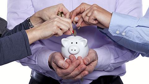 Drie pensioenfondsen moeten nu al korten}