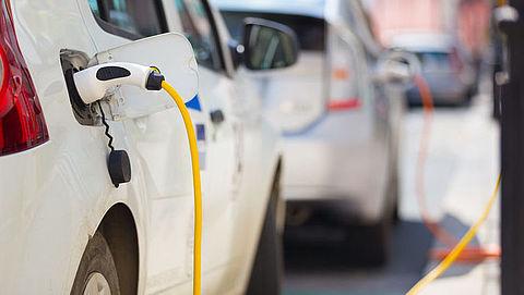 Bij welke laadpalen kan ik mijn elektrische auto opladen?