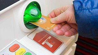 Trend zet door: ook Rabobank rekent kosten voor opnemen contant geld