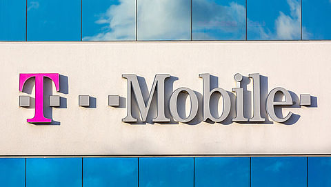 T-Mobile zet ongevraagd eigen reclame op telefoons}