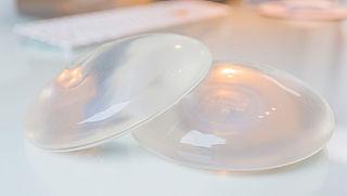 'Meer kans op lymfeklierkanker door borstimplantaat'