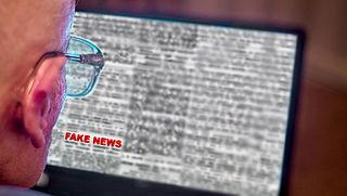 'Socialemediaplatformen moeten samenwerken in strijd tegen nepnieuws'