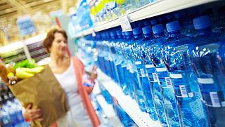'Producenten hebben geen plannen om toename wergwerpplastic te stoppen'