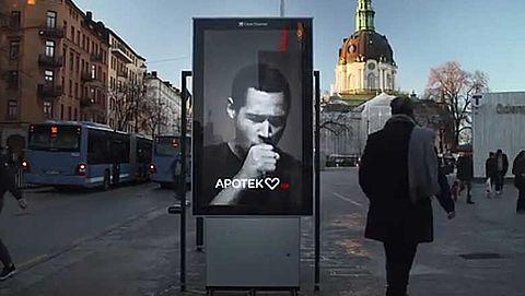 Zweedse poster confronteert met rokershoest }