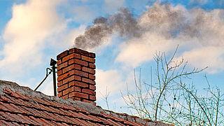 'Stel smogalarm tegen rookoverlast van houtkachels in'