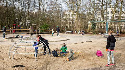 Nieuwe actie voor rookvrije speeltuinen, dierentuinen en zwembaden