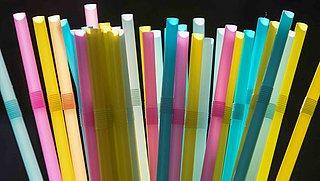 Verbod op plastic bestek, borden en rietjes van kracht