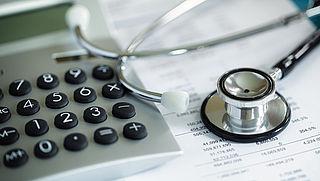 Schippers: meer geld naar chronisch zieken