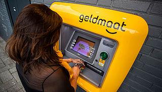 ING start met pratende geldautomaten
