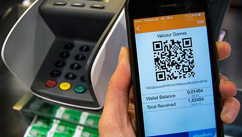 Betalen met virtuele munt in plaats van contant geld? }