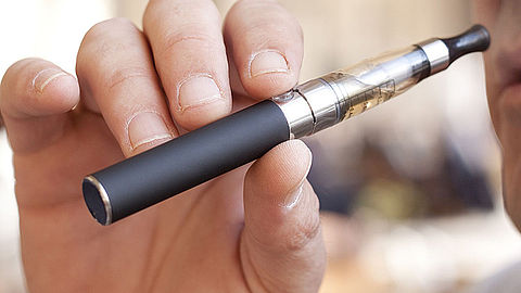 Verbod op e-sigaret als kermisprijs}