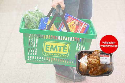 Gegrilde kippen EMTÉ onvoldoende gegaard, risico op salmonella }