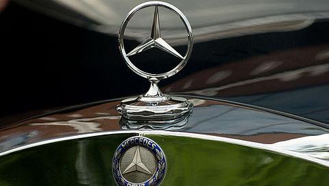 Mercedes-auto's teruggeroepen om airbag-probleem}