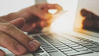'Stop woekerrentes van webwinkels bij koop of afbetaling'