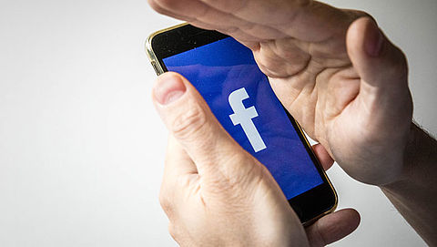 Facebook past regels rondom politieke boodschappen aan}