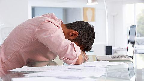 Wet voor ondersteuning mensen met schulden vertraagd