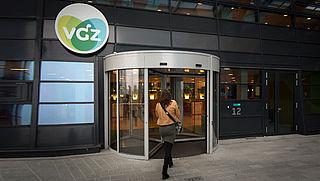 VGZ en CZ: 'Te veel geld naar zorg'