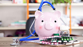 Kabinet bespaart 272 miljoen op medicijnen