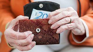 'Ouderen mogen gespaard geld houden'