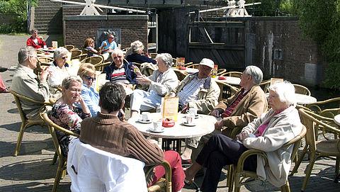 Radarlijn: ouderen benadeeld op het terras