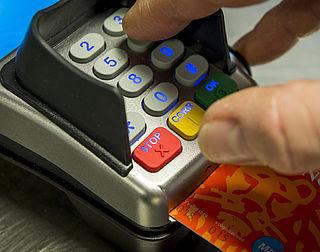 Pinnen wint het van contant betalen