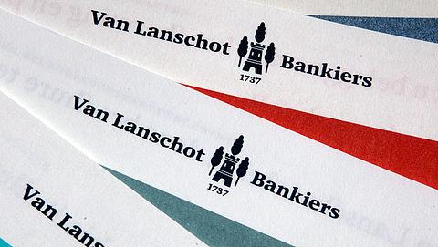 Van Lanschot zegt eenzijdig betaal- en spaarrekeningen op}