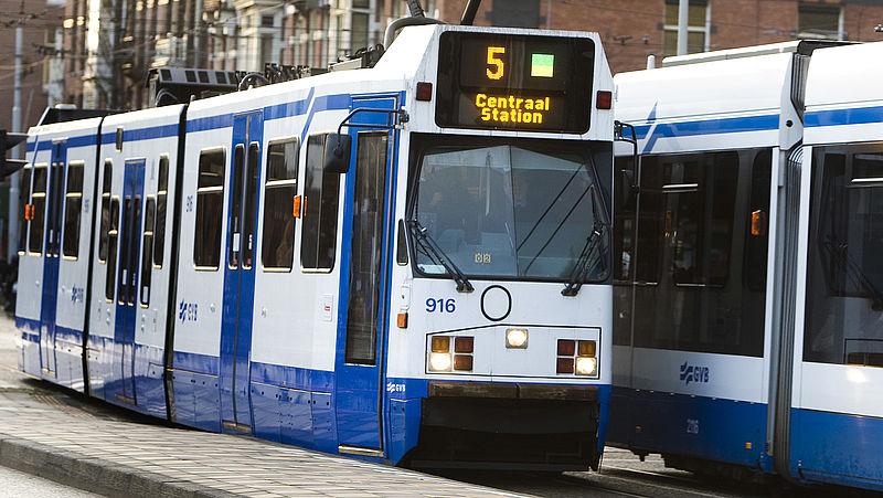 'Openbaar vervoer gratis in het weekend voor Amsterdamse kinderen'
