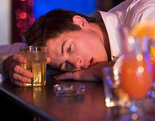 Alcoholbranche wil af van 'zuipprogramma's'