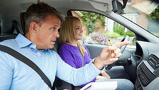 Verklaring van goed gedrag verplicht voor rij-instructeurs
